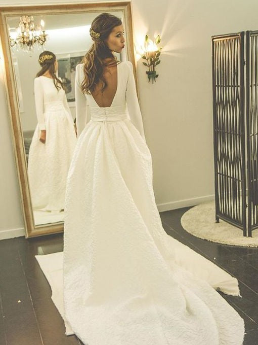 White Round Neck Long Sleeves Backless Wedding Dresses Lace Bride Gown