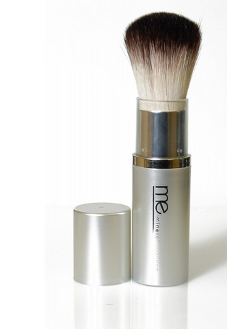 Mineral Essence - RETRACTABLE POWDER BRUSH