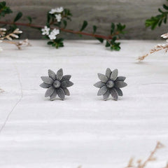 Fiore Regina Stud Earrings