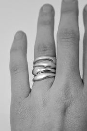 Small Curve Ring