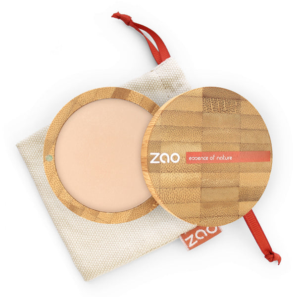 Cooked Powder von Zao in matt. bright Complexion im Bambus Case