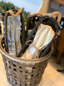 Wooden Tobacco Bread Basket w/Dish Towel