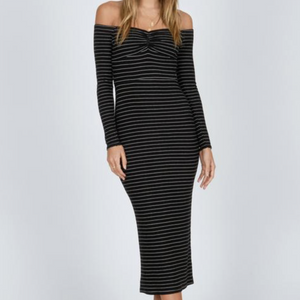 Wide awake long sleeve dress by Amuse Society from studio j.ee