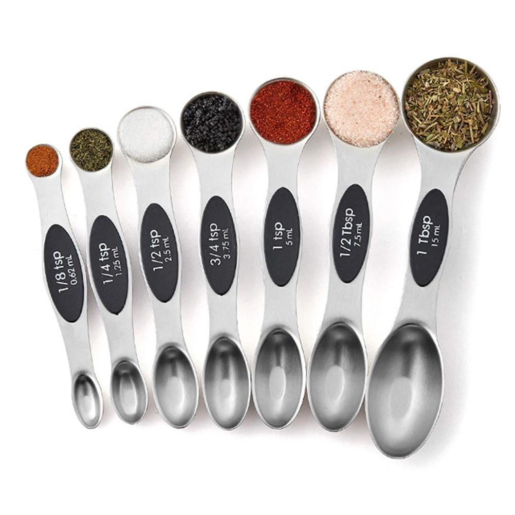 7 different sized measuring spoons