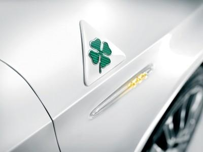 Alfa Romeo Green Cloverleaf Badge Rh 50518846