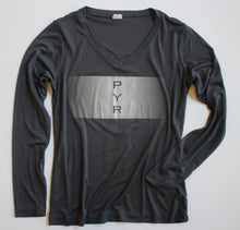 Load image into Gallery viewer, WOMEN'S REFLECTIVE MARATHON PERFORMANCE LONG-SLEEVE SHIRT