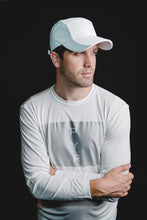 Load image into Gallery viewer, MEN'S REFLECTIVE RUNNING HAT