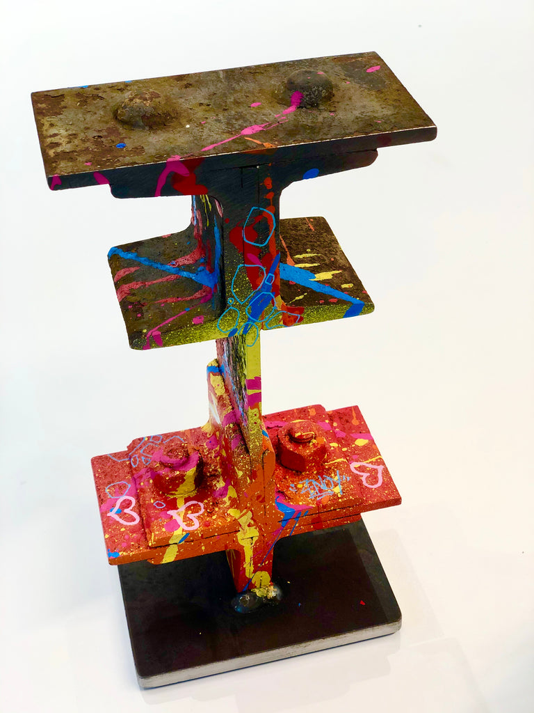 "Sculpture Eiffel Rose ""ZENOY"""
