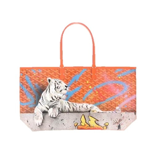 "<transcy>Tiger Bag White ""Dave Baranes""</transcy>"