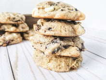 Load image into Gallery viewer, Cookies & Cream Cookie Dozen