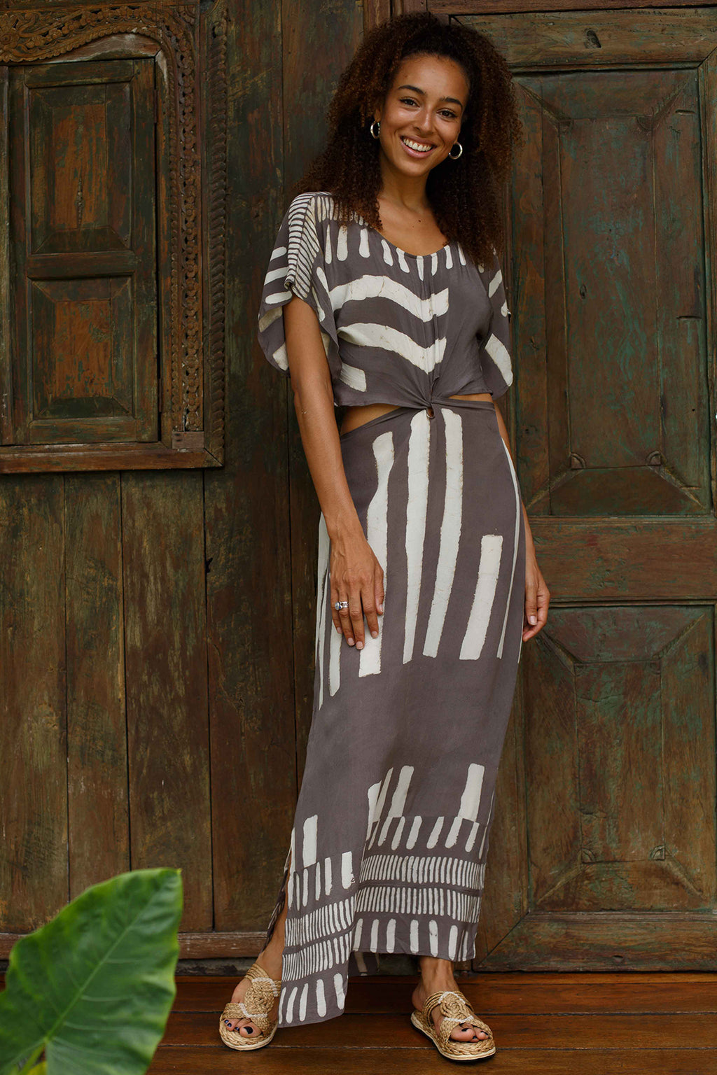 Tantra Cut-out Maxi