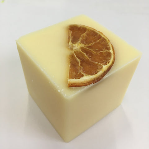 Bain and Savon Sunny Orange Shampoo Bar - Eco and Earth