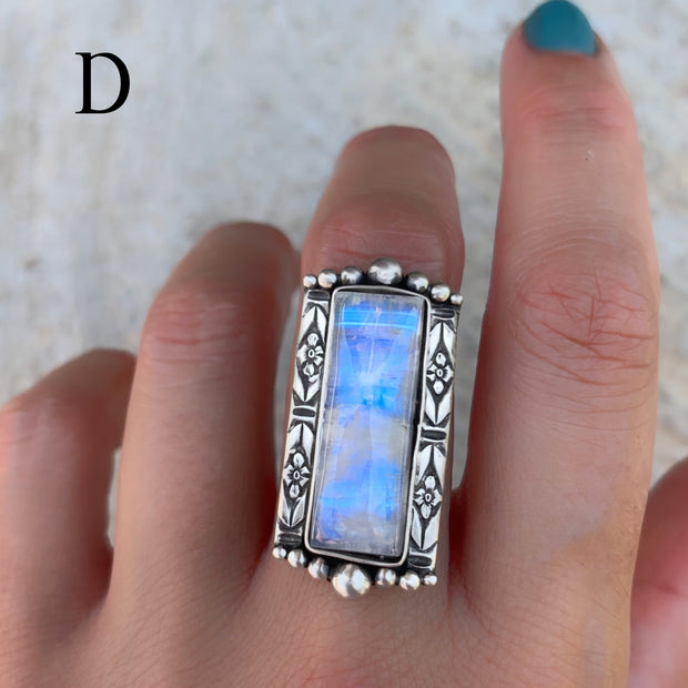 Large Victorian-style rectangular moonstone ring