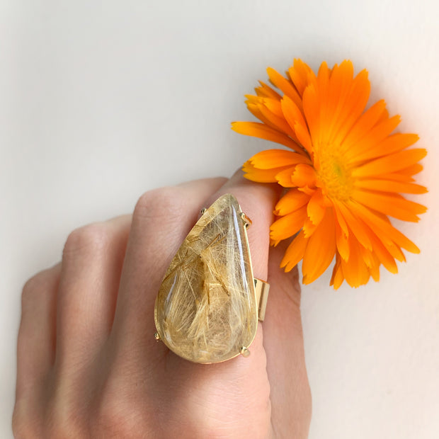 Prong-set rutilated quartz ring in brass - Size 7