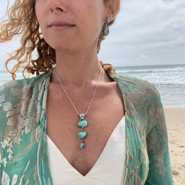 RESERVED FOR EMILY - Cascading turquoise necklace in silver