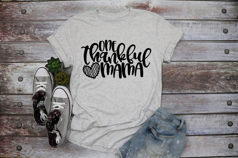 One Thankful Mama Adult Tee | Thanksgiving Design