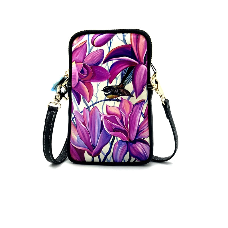 Fantail Irises Cell Phone Bag