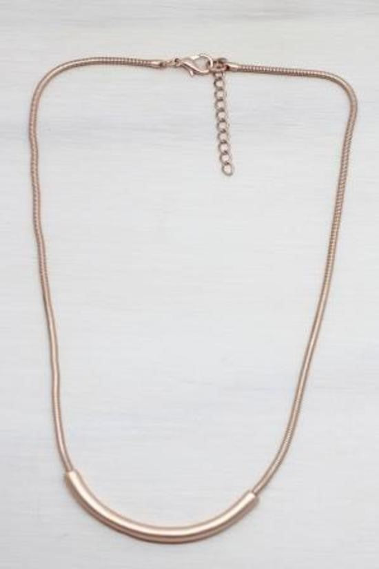 Maxi Rose Gold Curve Necklace