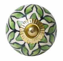Load image into Gallery viewer, Green & White Lattice Pattern Knob