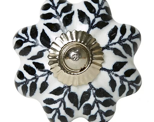 Black & White Leaves Knob