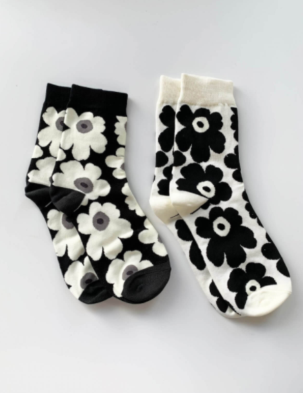 Black & White Bloom Socks Set of 2