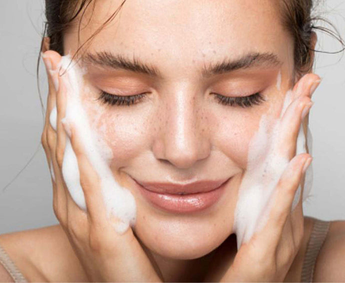 7 mistakes you make when washing your face ...