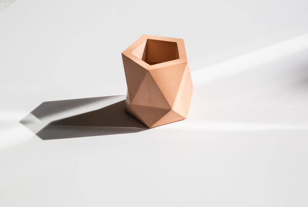 Triangulus pot in salmon