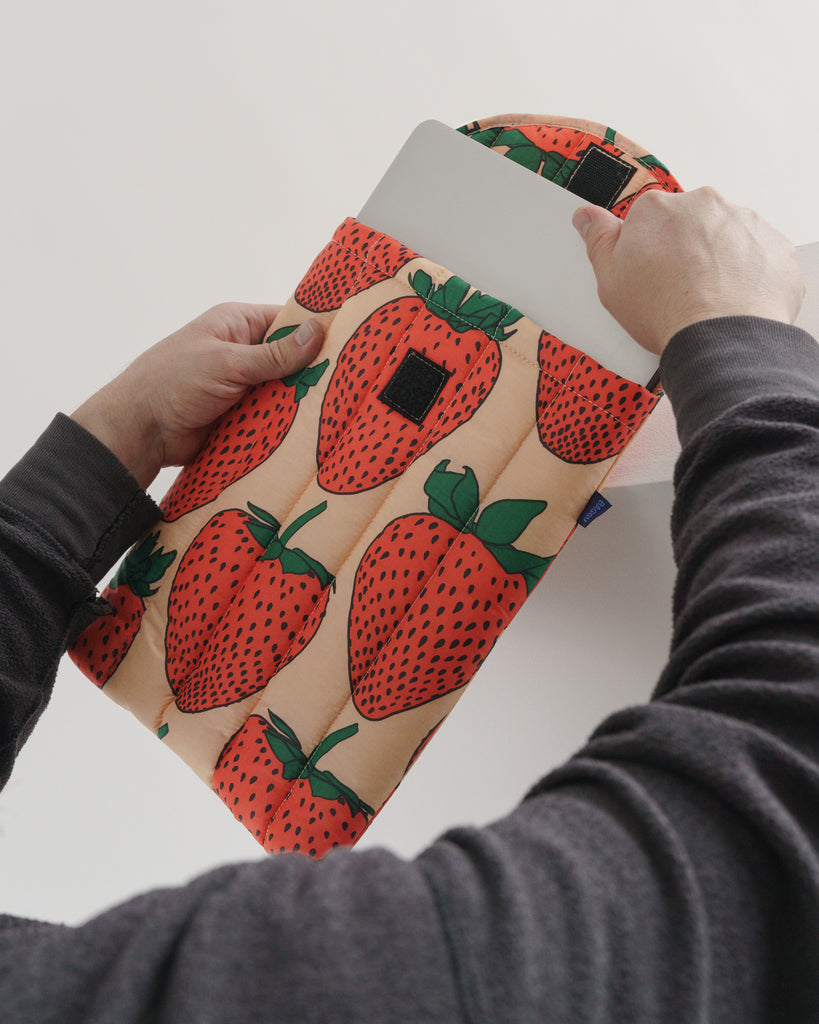 "Baggu puffy laptop sleeve 13"" - Laptop Tasche Strawberry 1"