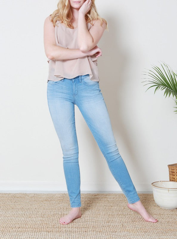 Judy Blue Light Blue Wash Skinny Jean