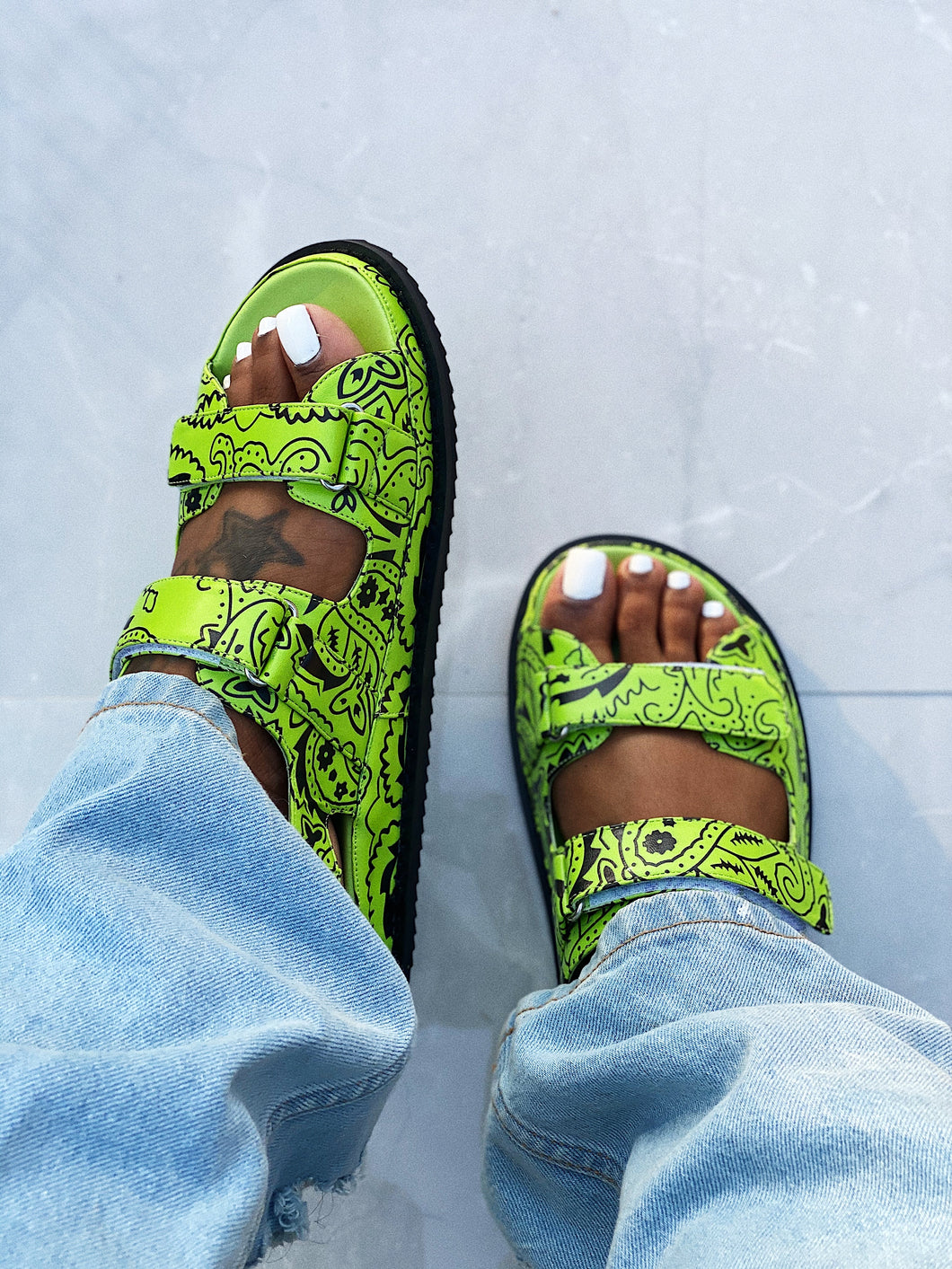 The Girlfriend Sandal Lime