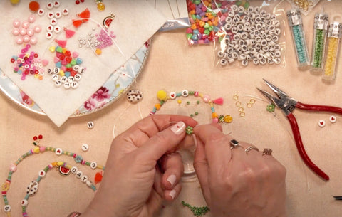 The easy to make beginners Jewellery beading kit