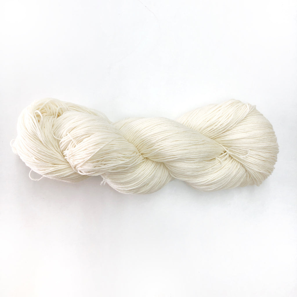 Un-dyed Superwash 4 ply Sock Yarn 100g