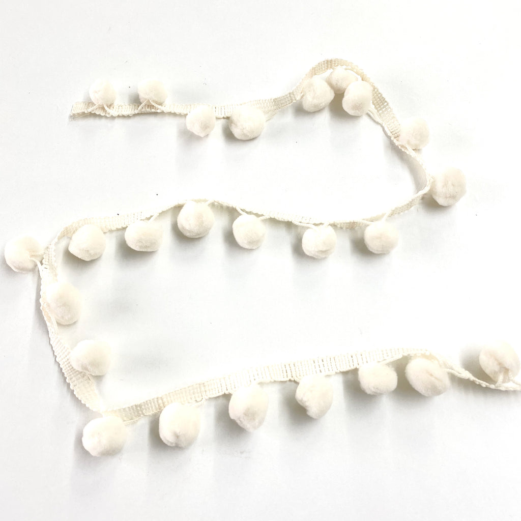 Cream Pompom Trim 25mm inc trim Ecru 51