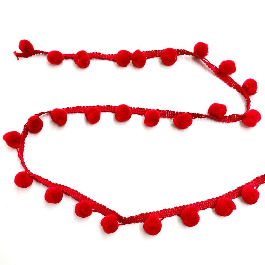 Pompom trim 25mm red