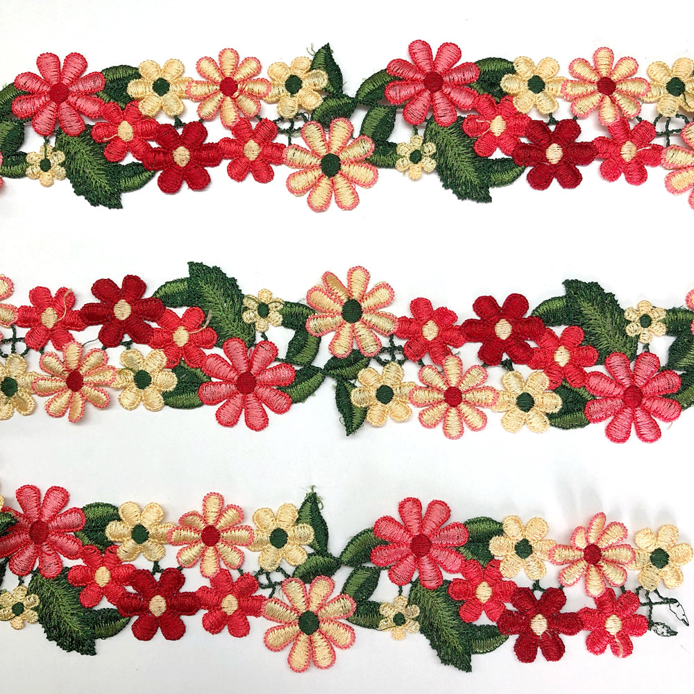 Embroidered Daisies Trim per metre