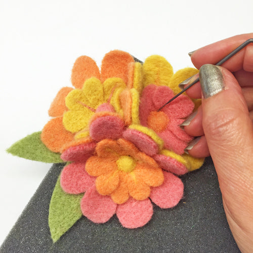 "Corsage Needle Felting kit ""Blushing Blossoms"""