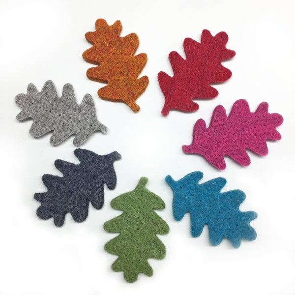 Wool Felt Oak Leaf 7cm Dark Grey