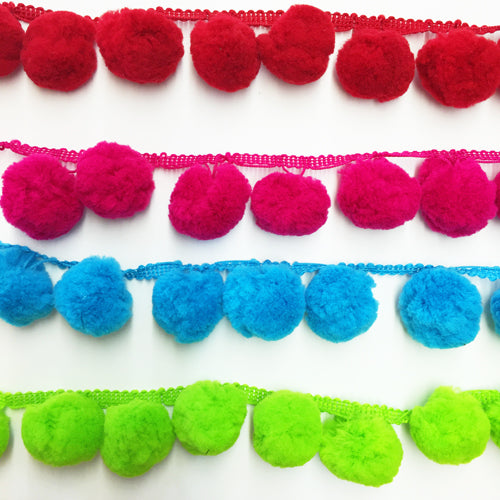Giant Pompoms per metre turquoise 20