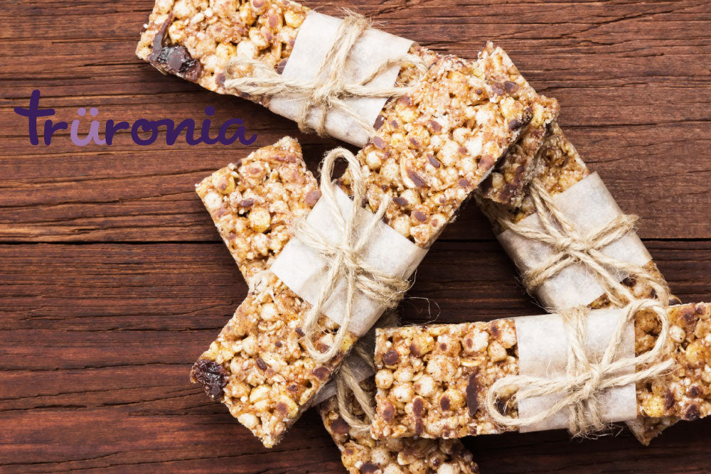 no-bake granola bars with truronia aronia berries