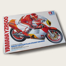 Load image into Gallery viewer, tamiya yamaha yzr500 1/12 scale model kit