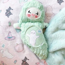Load image into Gallery viewer, Minty green ghost cutieloo