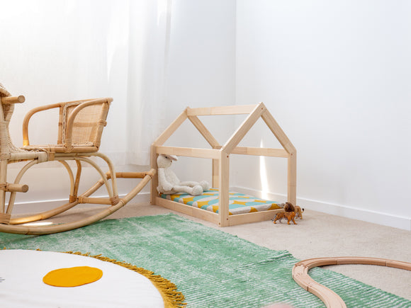 Toy house bed - Hali and Co