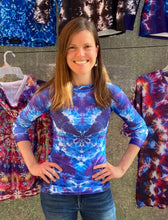 Load image into Gallery viewer, Out of the Abyss' Women's Rash Guard