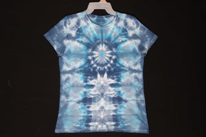 Women's reg T shirt Medium #8037  Scarab over Totems.