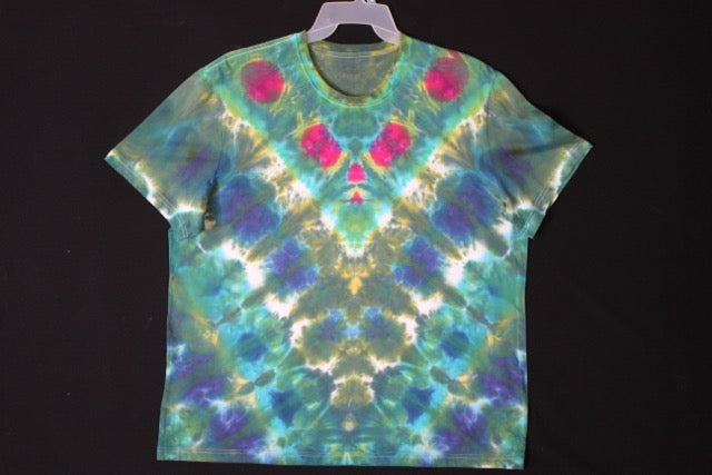 Men's reg. T shirt XXL #8543 Chevron design. $ 80