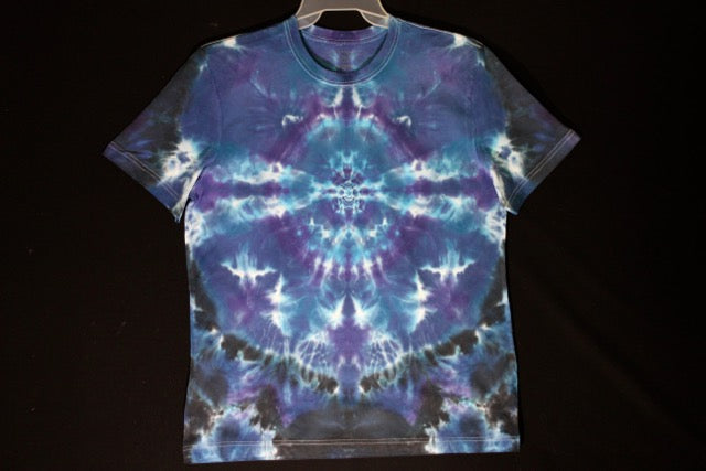 Men's reg. T shirt  Large. #8564 Classic Mandala design. Stellar Blues. #75