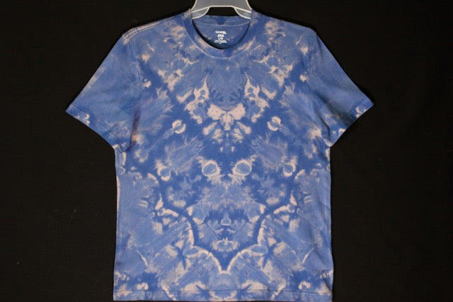 Men's reg. T shirt Large  #8615  Chevron design  $70