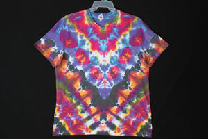 Men's reg. T shirt XL  #8831  Chevron design.   $75
