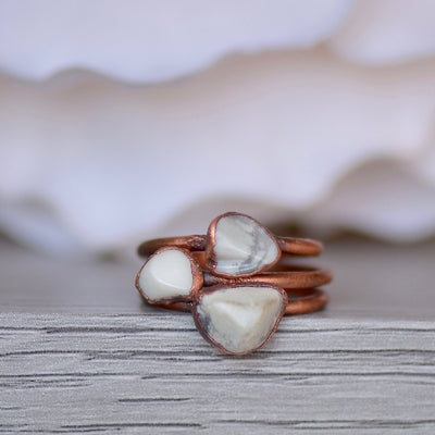 Howlite Ring, Electroformed Jewelry, Layering Ring, White Gemstone Ring, Raw Crystal Jewelry, Unique Gift for Her, Bohemian Jewelry,LUNAandLORES.