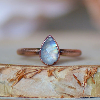 Moonstone Ring, Raw Stone Jewelry, Electroformed Ring, Rainbow Moonstone, Unique Gift For Her, June Birthstone Ring, Gemstone Stacking Ring,LUNAandLORES.